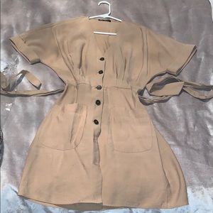 Tan button/tie dress with pockets